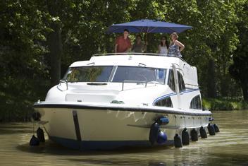 Kanalbåter husbåter